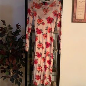 Midi floral see through dress with slit under.